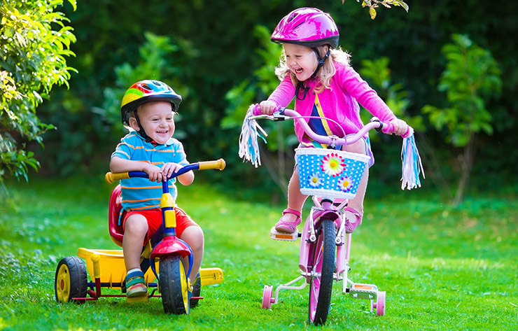 Lovely As Children Grow, The Variety Of Available Outdoor Activities Grows Along  With Them. Kids Love Playing Sports With Their Friends Or Parents.